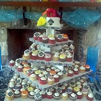 Damask and Daiaies Cake and Cupcakes