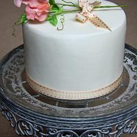 Simple SweetPea Cake by Samantha Pilling