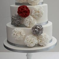 Scrunch flower wedding cake