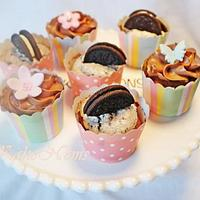 Chocolate cupcakes with Oreo cream and chocolate buttercream