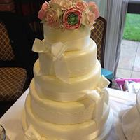 Rose and Ranunculus Lace Wedding Cake
