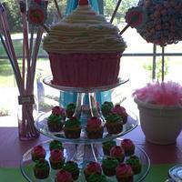 Jumbo cupcake cake by Jen Scott
