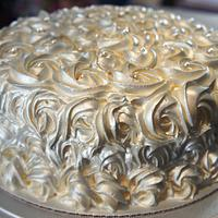 Silver roses wedding cake