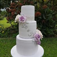 Wedding cake by Torte Panda