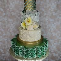 Waves and Pearls Beach cake