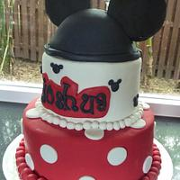 My very fiat Mickey Mouse cake