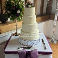 Ivory hand-piped cake