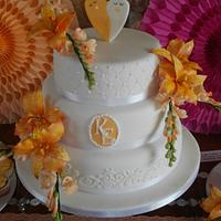 Lovebird wedding sweet table