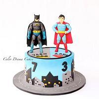 Super hero cake with sugar figurines