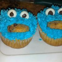 Cookie Monster Surprise Cupcakes