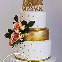 gold dust wedding cake