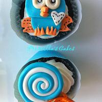 Hoot themed cupcakes by Priscilla's Cakes