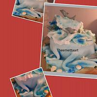 Dolphin cake with wave