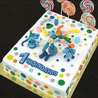 Lollipop Cake with Toys