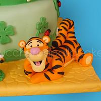 winnie the pooh cake by Sara Luvarà - Zucchero a Palla Cakes