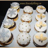 Gold/Silver Christmas themed cupcakes