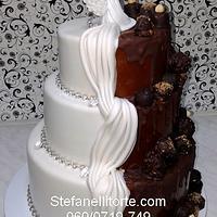 half white half chocolate wedding cake