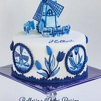 Handpainted Delft blue (delftware) cake.