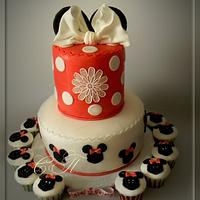"Kids cake with cupcakes ""Mickey"""