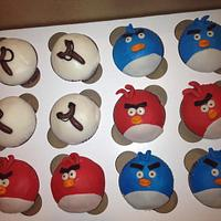 angry birds cupcakes by tasteeconfections