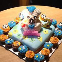 3D bear birthday cake & mini cupcakes