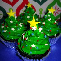 Christmas cupcakes by Random Acts of Sweetness