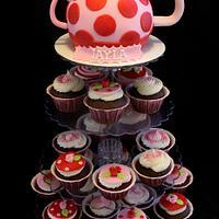 Teapot Cake and Cupcakes