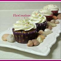 Cookies & Cream Cupcakes by FiasCreations