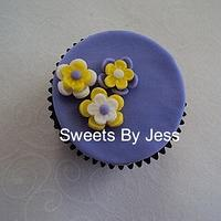 Flower (cupcake topper)