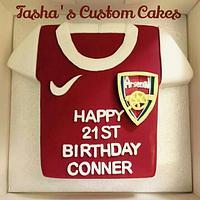 Arsenal shirt cake