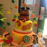 El Chavo del Ocho cake and cupcakes