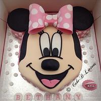 2D Minnie Mouse birthday cake