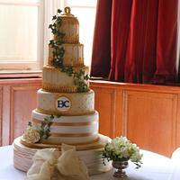 Gold Birdcake wedding cake (main cake) & Fruitcake and cupcake tower