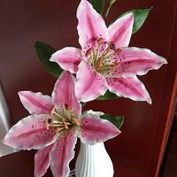 sugar paste stargazer lily