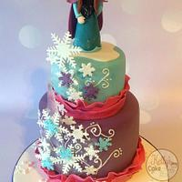 Anna Frozen cake for Evie