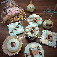 Airplane cookies,cakepops,cupcakes