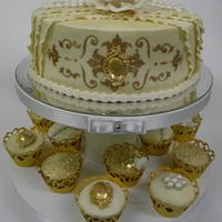 Gold cake and cupcakes
