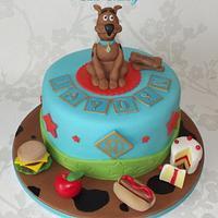 Scooby Doo with Scooby snacks