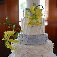 Gloriosa wedding cake