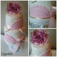Doily vintage 2 tier cake in pink and whites
