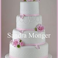 Pretty Rose and Lace Wedding Cake