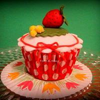 cupcake by Donatella Bussacchetti