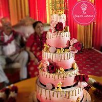 Golden anniversary drip cake