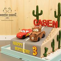 Mater & Mcqueen desert cake