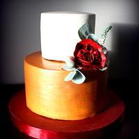 Bronze, white, red wedding cake