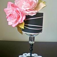 Black and pink roses cake