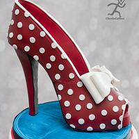 Rockabilly Inspired cake with edible Peeptoe stiletto