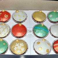 Christmas balls cupcakes