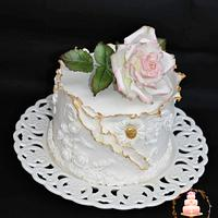 Beautiful cake for beautiful young lady 's birthday