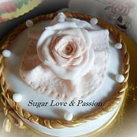 Rose cake lace